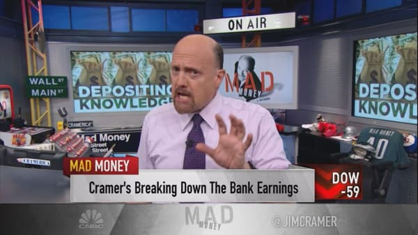 Cramer explains why this is the perfect environment for bank stocks to roar higher