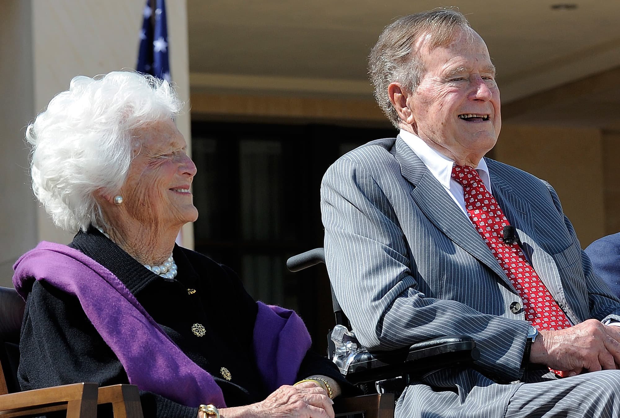 Christmas In April With Help Of Bush >> Barbara Bush Former First Lady And First Mother Dead At 92