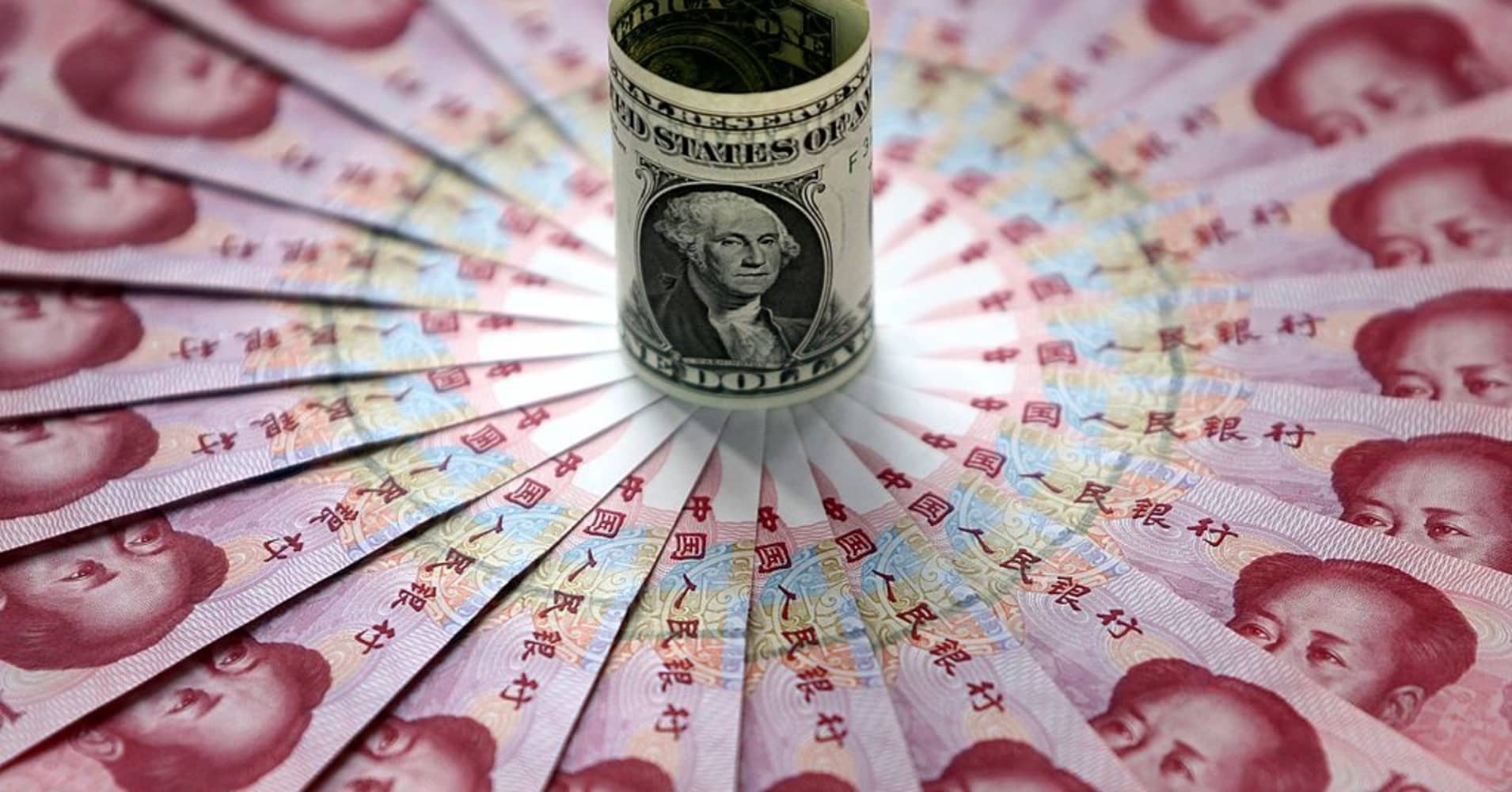 China's yuan climbs against the dollar, boosted by Trump's troubles
