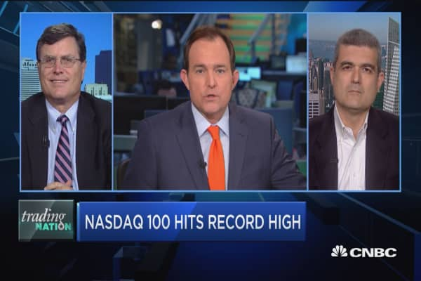 Trading Nation: Nasdaq 100 hits record high