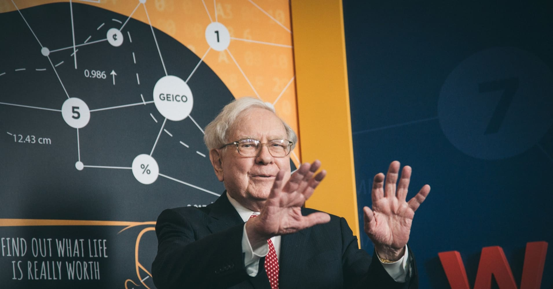 Warren Buffett's best advice for young people has nothing to do with business