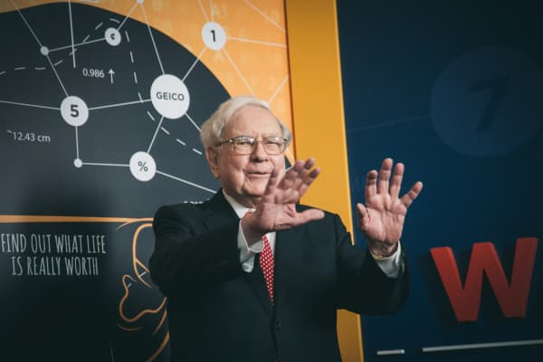 Warren Buffett attends the 'Becoming Warren Buffett' World Premiere at The Museum of Modern Art on January 19, 2017