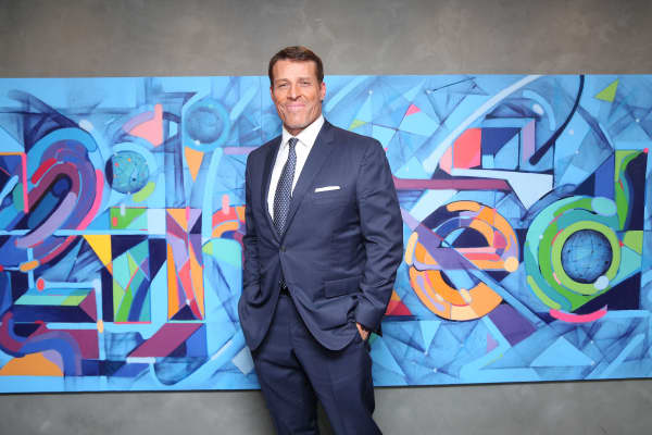 Self-made millionaire Tony Robbins