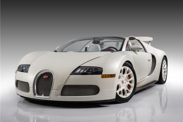 Floyd Mayweather's 2011 Bugatti Veyron Grand Sport failed to sell at the Scottsdale auctions.