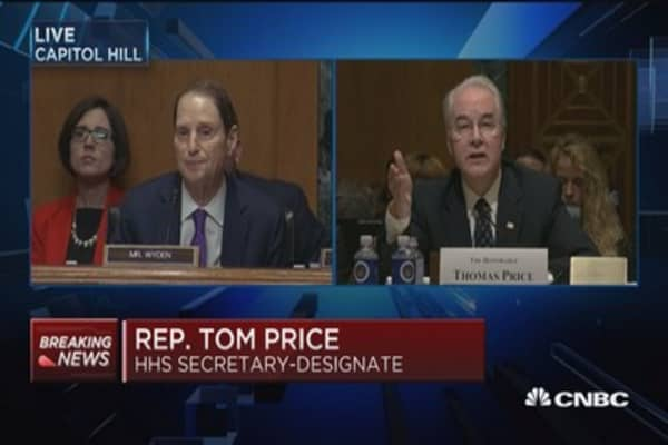Sen. Wyden grills Rep. Tom Price over stock holdings