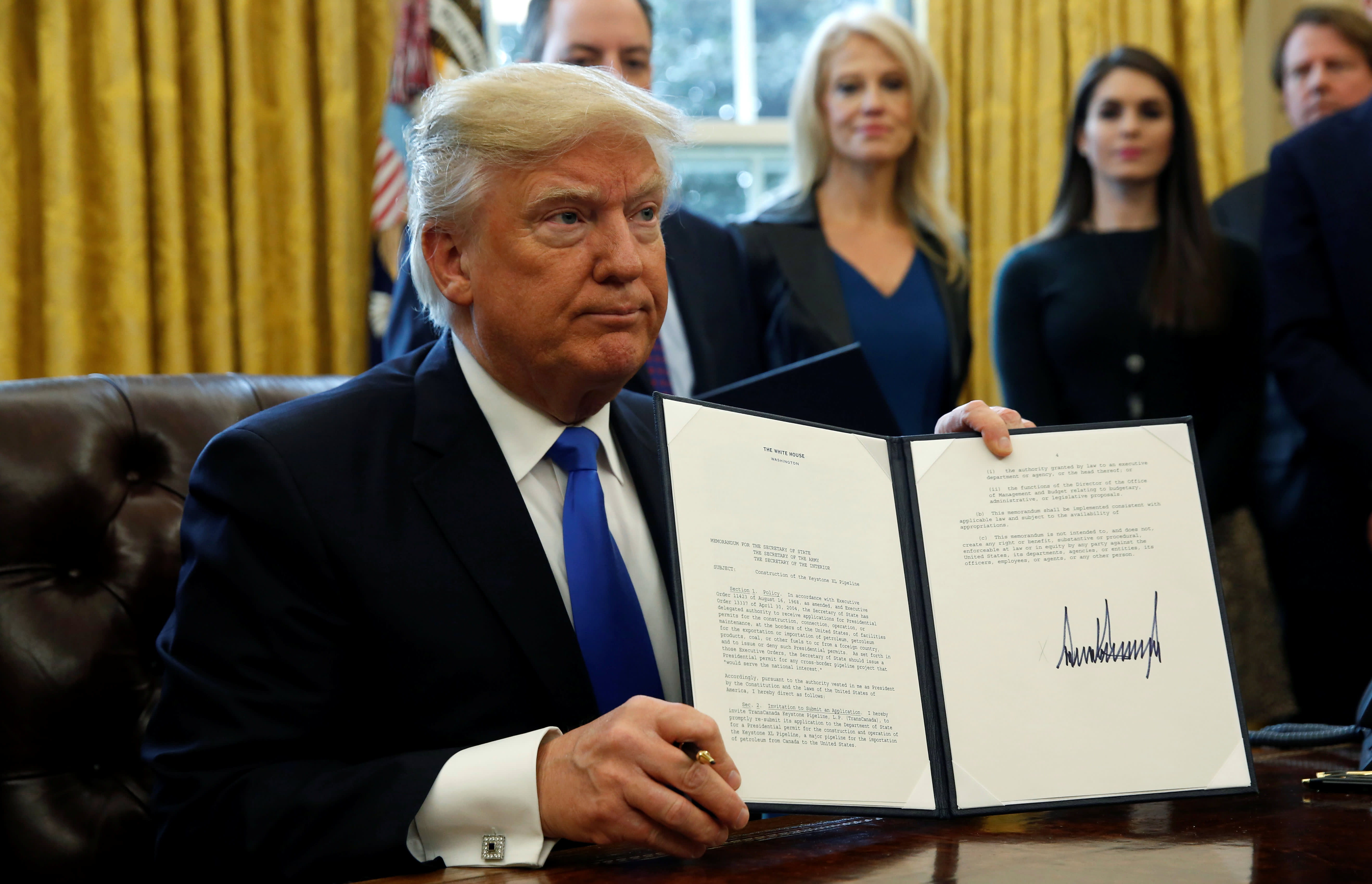 Trump Signs Executive Actions To Advance Keystone Xl Dakota Access