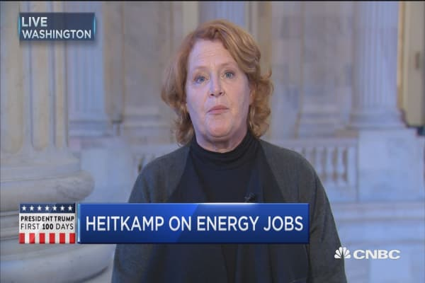 Sen. Heitkamp: US oil is going to move