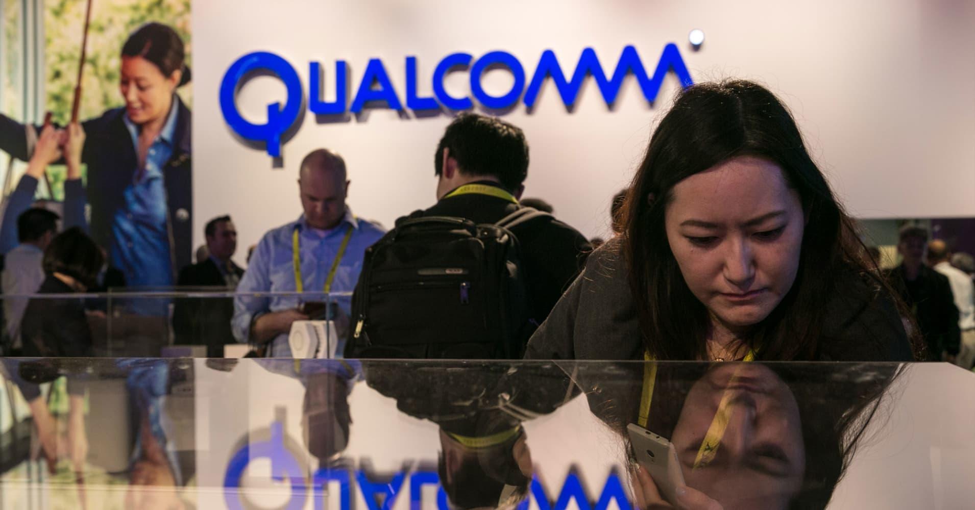 Qualcomm launches patent challenge to Apple ahead of antitrust case