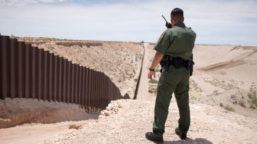 A U.S. border patrol agent on the U.S. and Mexico border near Sunland Park, New Mexico.