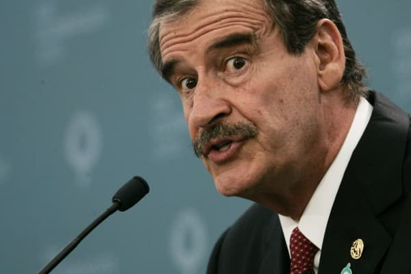 an evaluation of the rule of vincente fox in mexico Watch: on live tv mexico's vicente fox uses f-word again about trump's wall, likens trump to dictator.