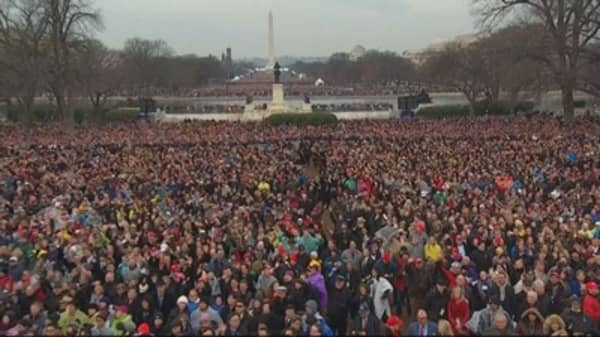 Trump pressured Park Service to back inauguration crowd claims: Report