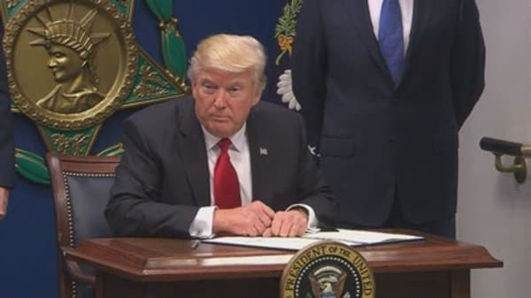 Microsoft backs lawsuit over Trump's immigration order