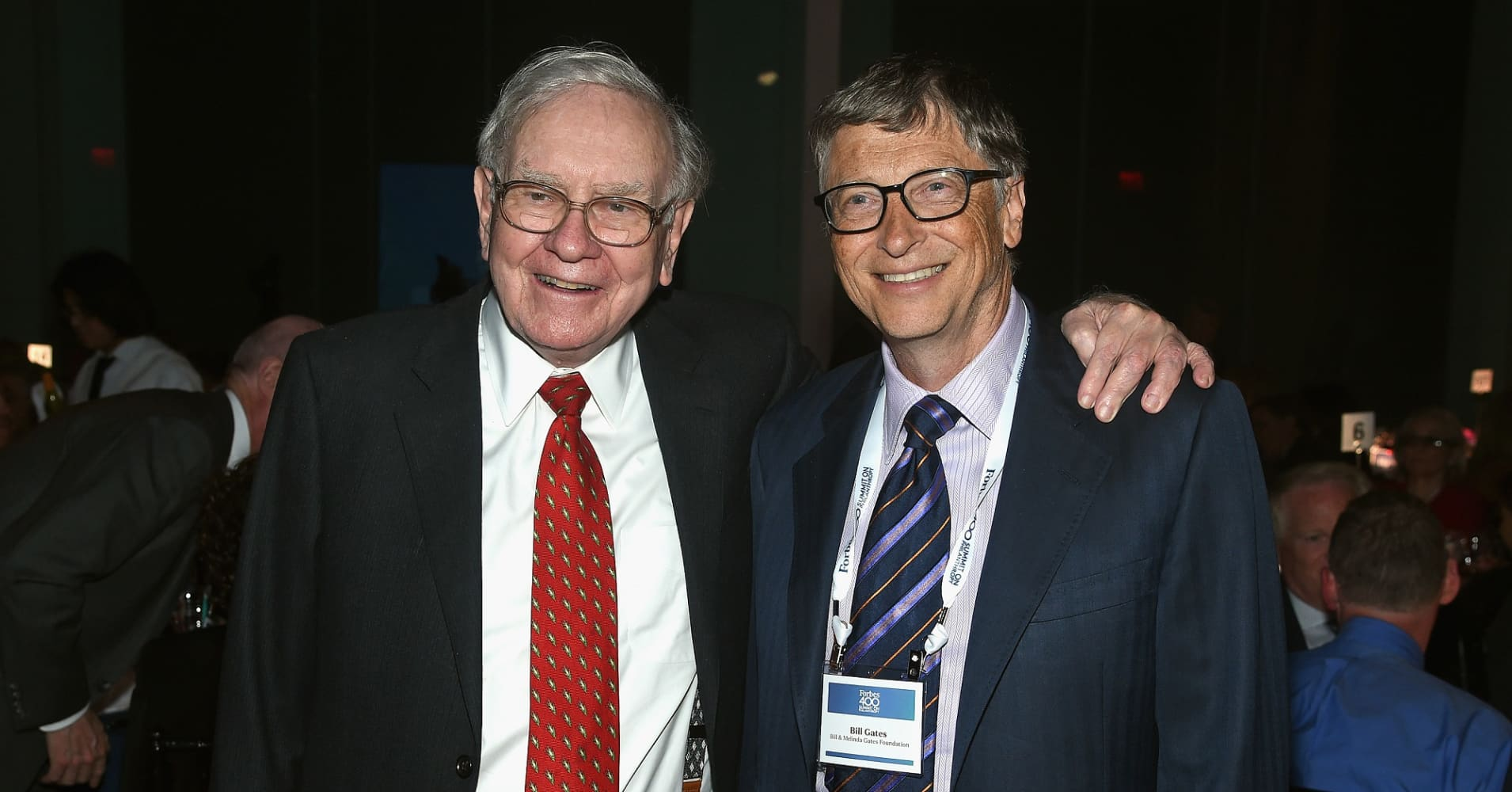 Warren Buffett and Bill Gates attend the Forbes' 2015 Philanthropy Summit Awards Dinner.