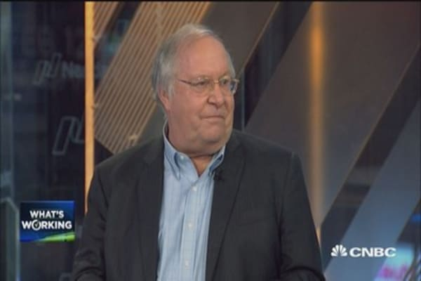 Bill Miller: Apple's cheap but this 'arctic apple' stock in the one to watch