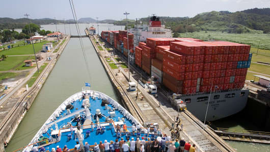 The Panamax container freighter VENICE BRIDGE passes through the Pedro Miguel lock of the Panama Canal