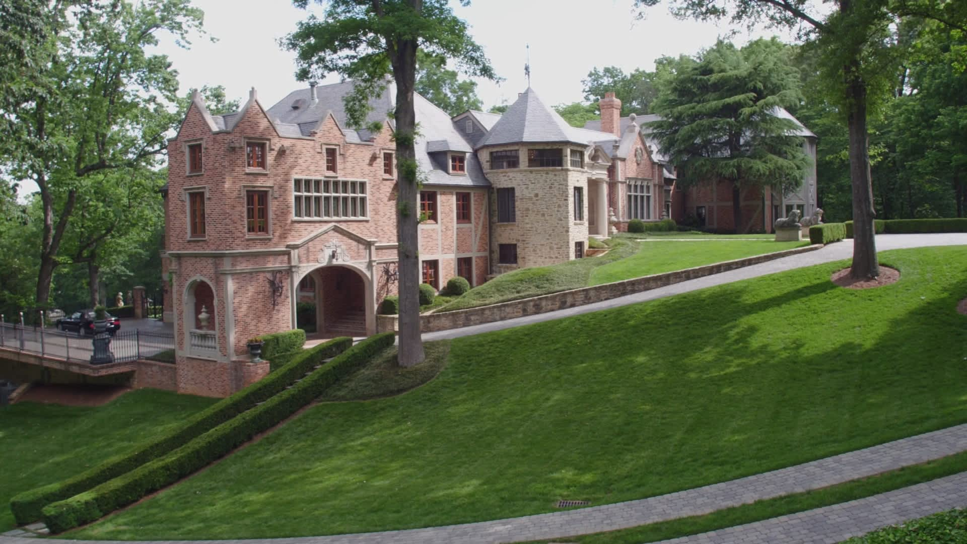 cnbc secret lives of the super rich blockbuster mansion u0026 the