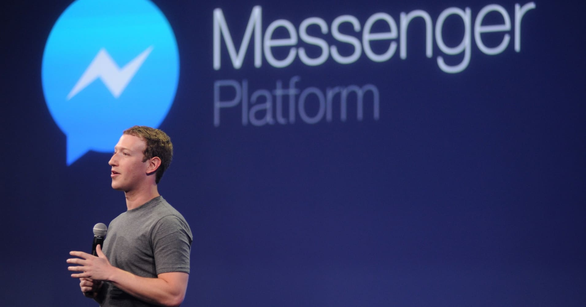 US government is reportedly trying to force Facebook to help it wiretap Messenger