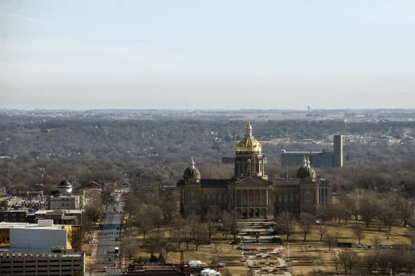 A view of the Iowa State Capitol building in downtown Des Moines, Iowa.