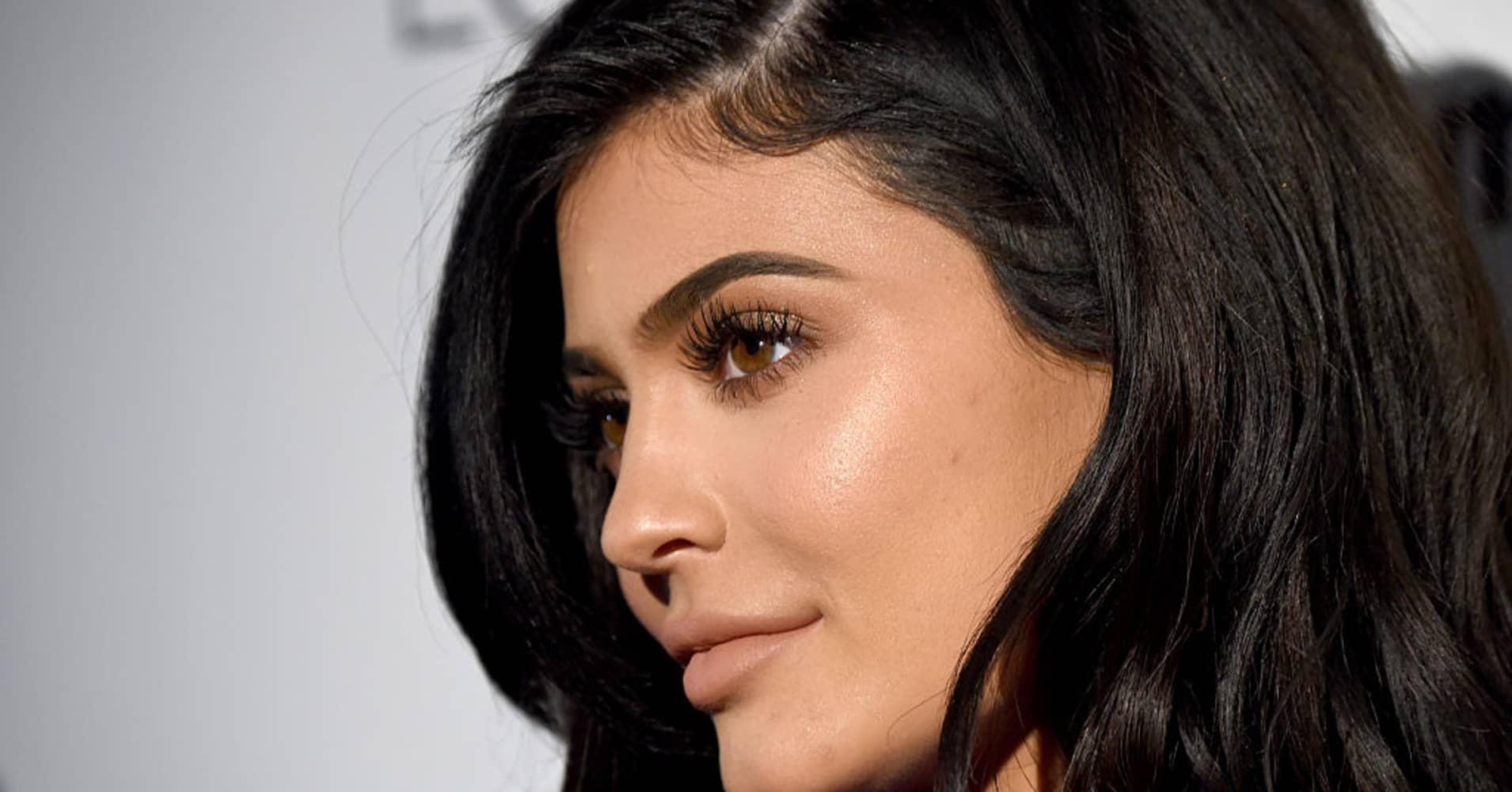 Kylie Jenner makes $1 million per paid Instagram post