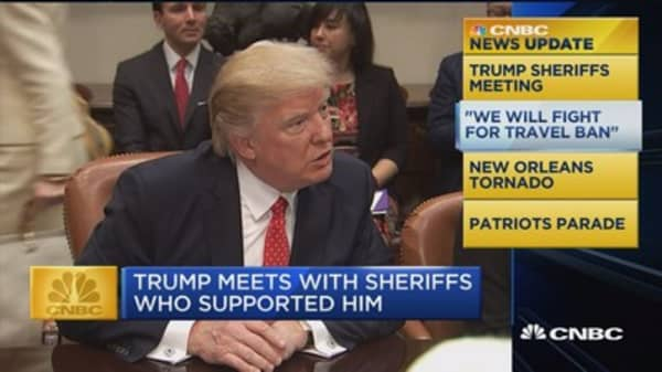 CNBC Update: Trump meets with sheriffs