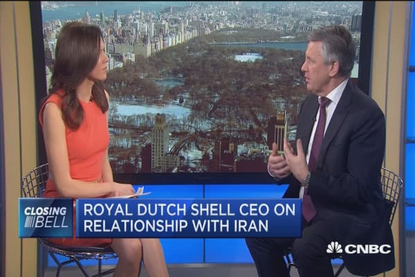 Shell CEO: Been in talks with Iranian oil minister