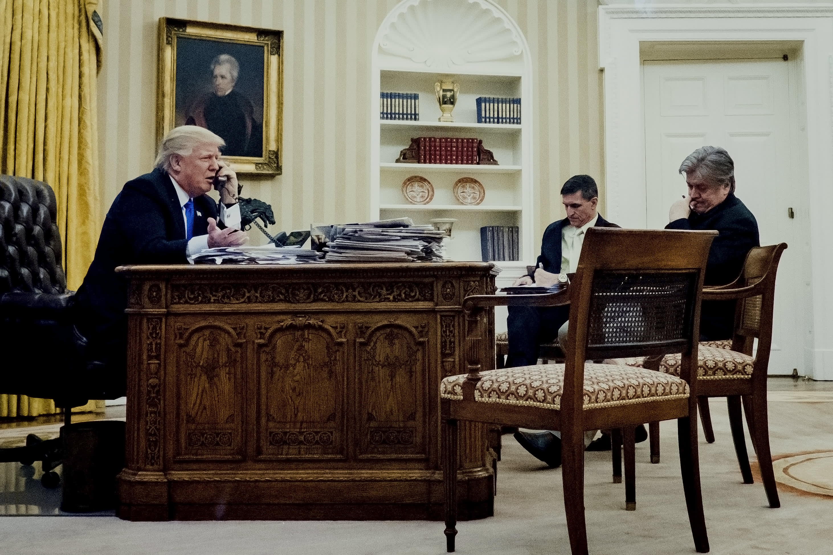 The tools helping facilitate leaks from Trump's White House