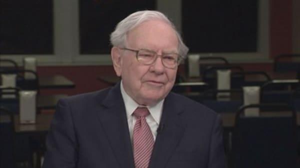 Warren Buffett bets on wearables