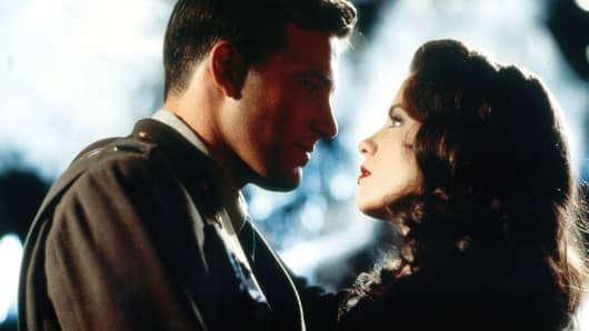 Ben Affleck stares at Kate Beckinsale in a scene from the film 'Pearl Harbor', 2001.