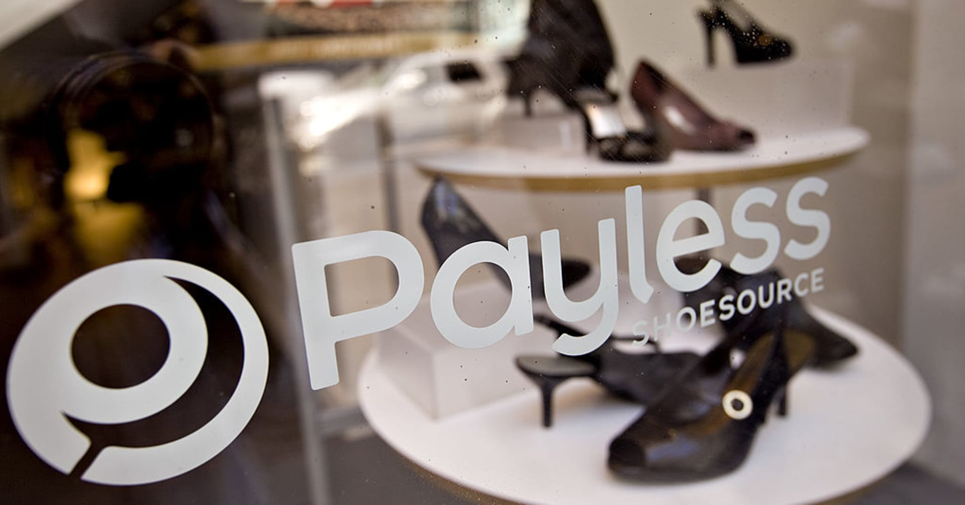 Payless will begin to shutter its U.S. stores Sunday