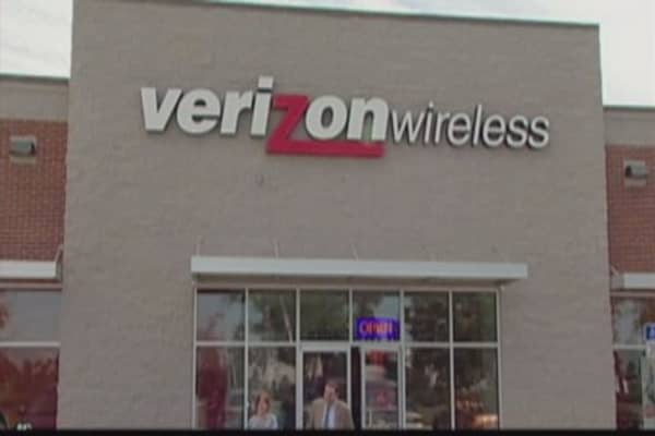 Verizon brings back unlimited data plan