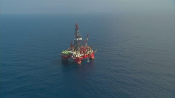 Oil prices dip despite OPEC cuts