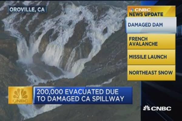 News Update: 200,000 evacuated due to damaged CA spillway