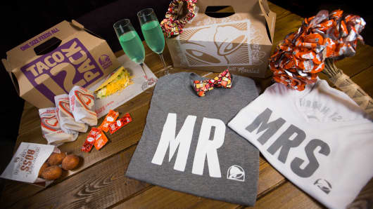Soon wedding bells will be ringing at a Taco Bell in Las Vegas