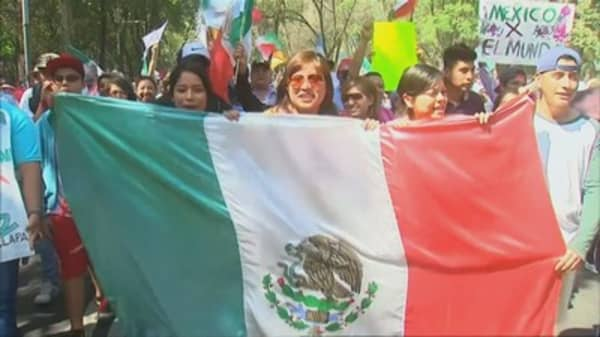 Tens of thousands of protestors in Mexico stand up against Trump