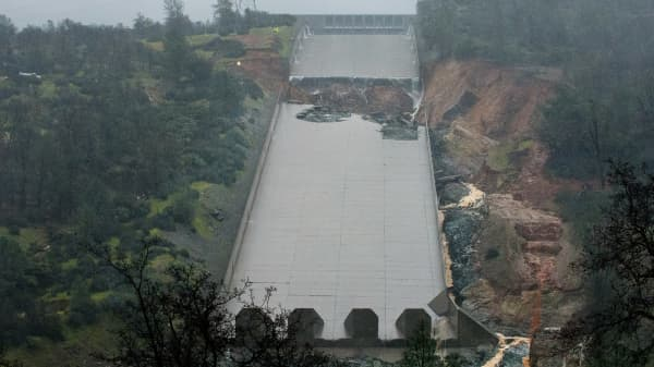 In this handout provided by the California Department of Water Resources (pixel.water.ca.gov), The California Department of Water Resources stopped the spillway flow on Thursday morning to allow engineers to evaluate the integrity of the structure after water had been released at 20,000 cubic feet per second (cfs) through the night February 9, 2017 in Oroville, California.