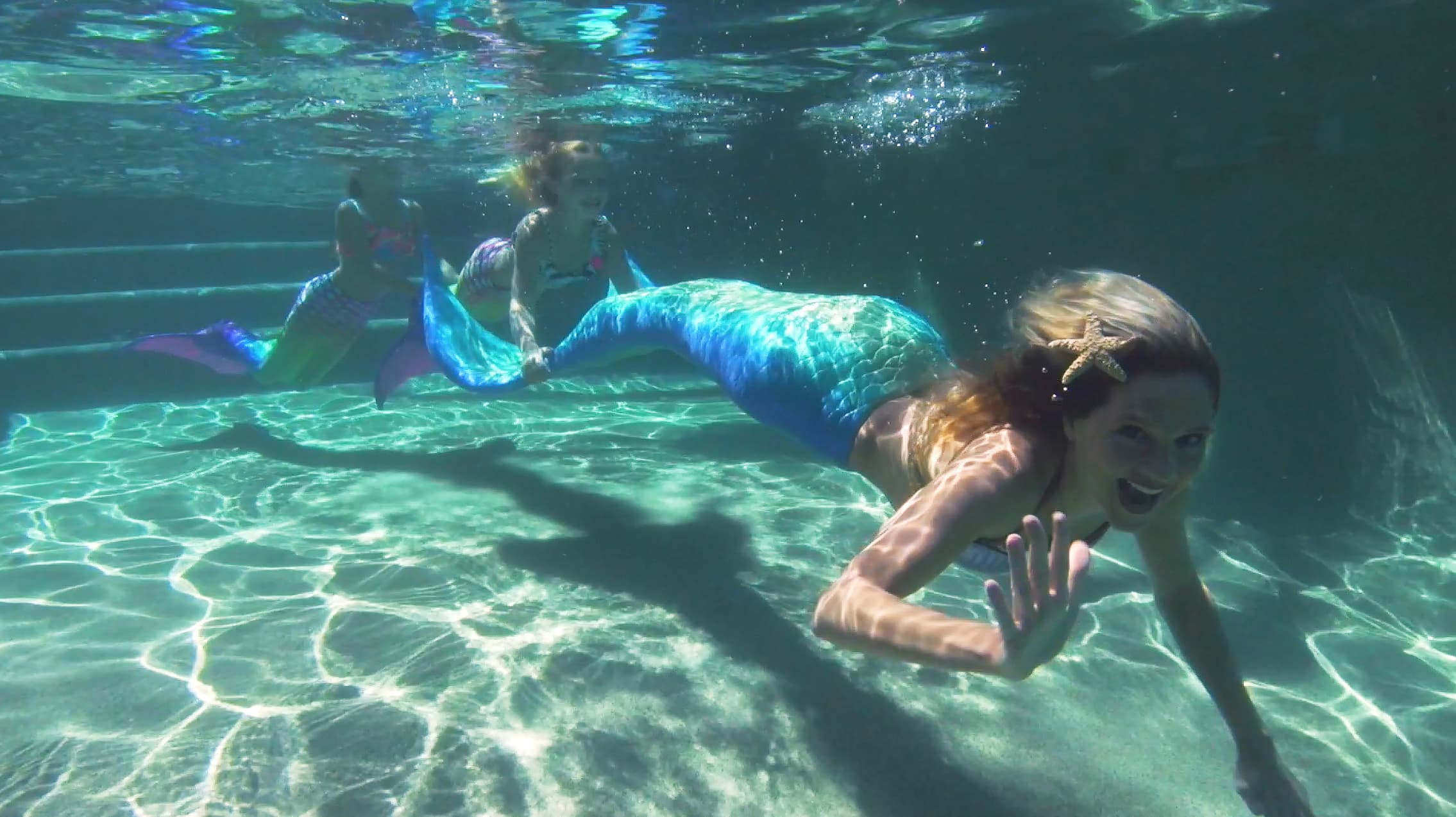 Meet A Professional Mermaid Who Charges Up To 6000 Per Appearance
