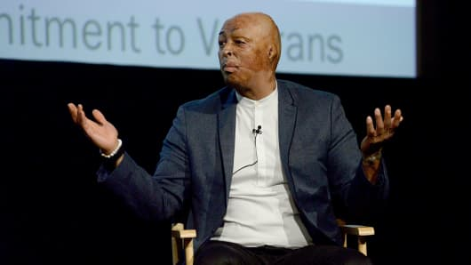 J.R. Martinez speaks on stage at Hollywood Bridging The Military Civilian Divide at Paramount Pictures on February 9, 2017 in Los Angeles.