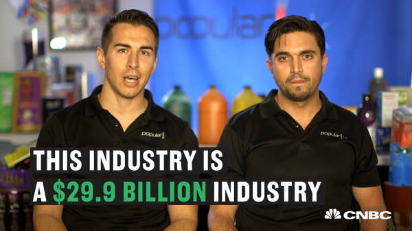 These entrepreneurs went from knowing nothing about the printing industry to making millions