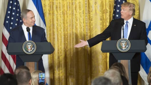 President Donald Trump (R) and Israeli Prime Minister Benjamin Netanyahu hold a joint press conference in the East Room of the White House in Washington, DC, February 15, 2017.