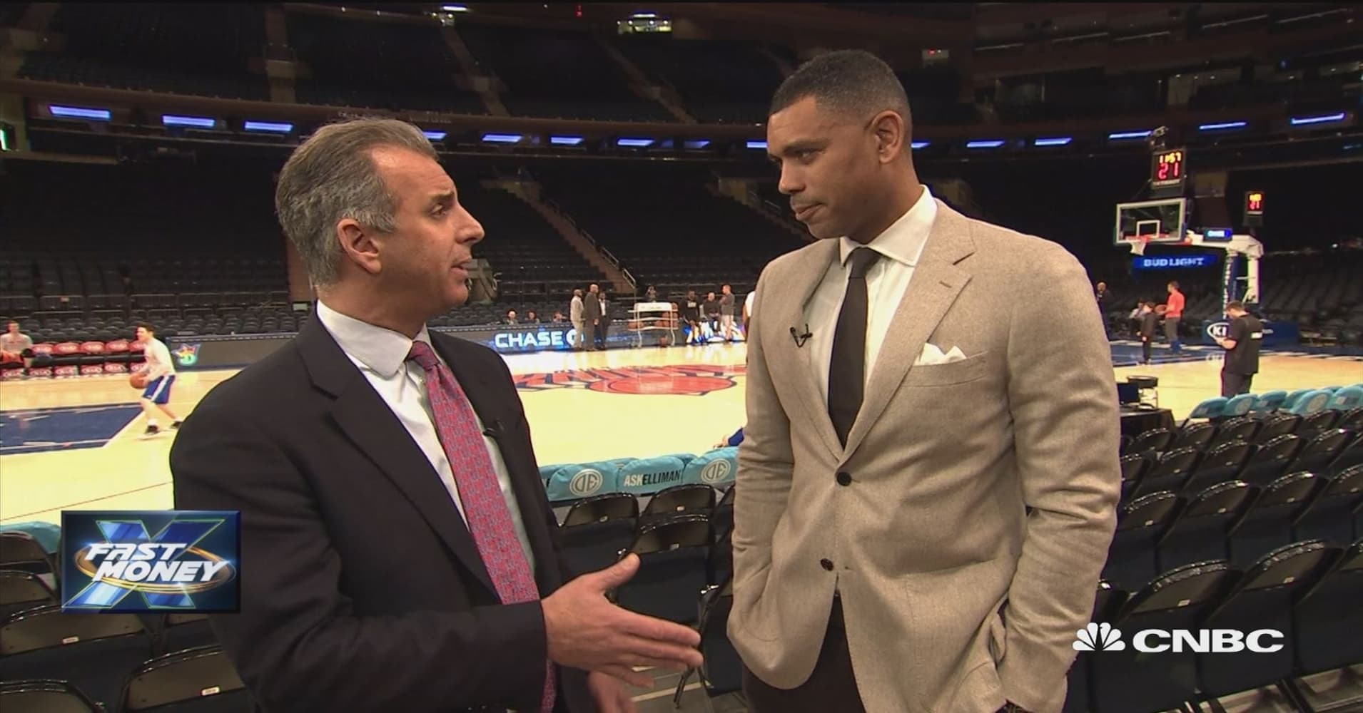 Trader goes one on one with NBA legend Allan Houston