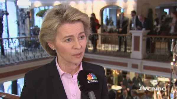 Fake news must not undermine democratic institutions and the media: German defense minister