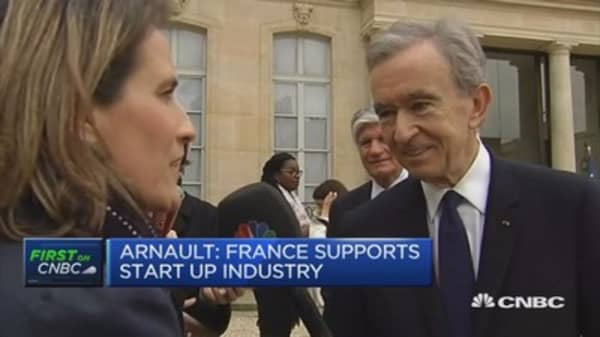 Either Macron or Fillon will win, says CEO