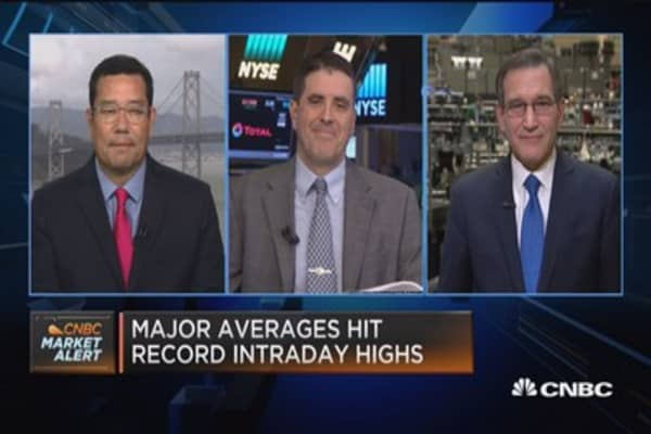 Closing Bell Exchange: Major averages hit record intraday highs