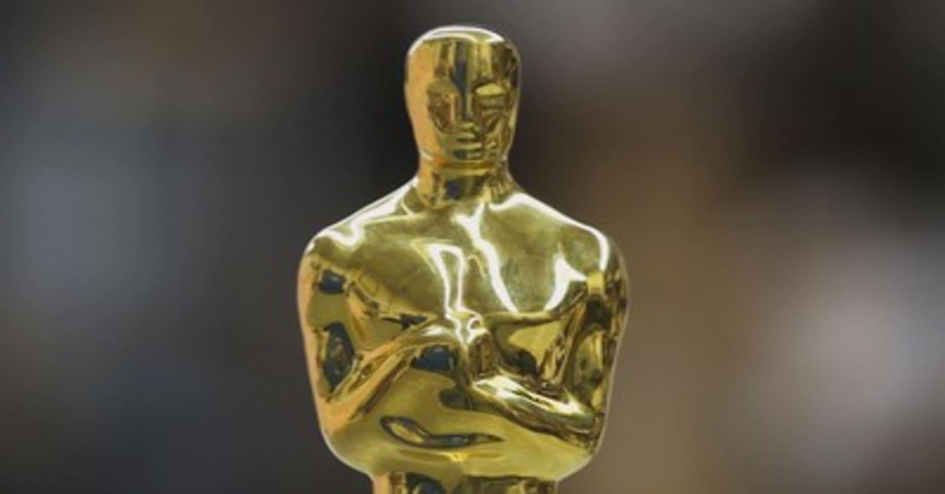 Large Oscar Statues Fo...