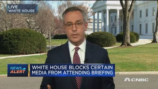 White House blocks certain media from attending briefing