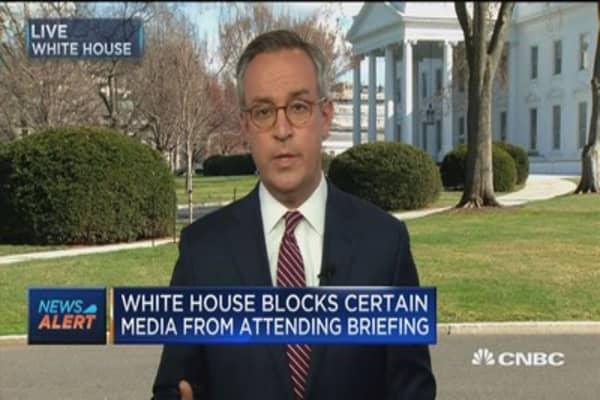 White House blocks certain media from attending briefing