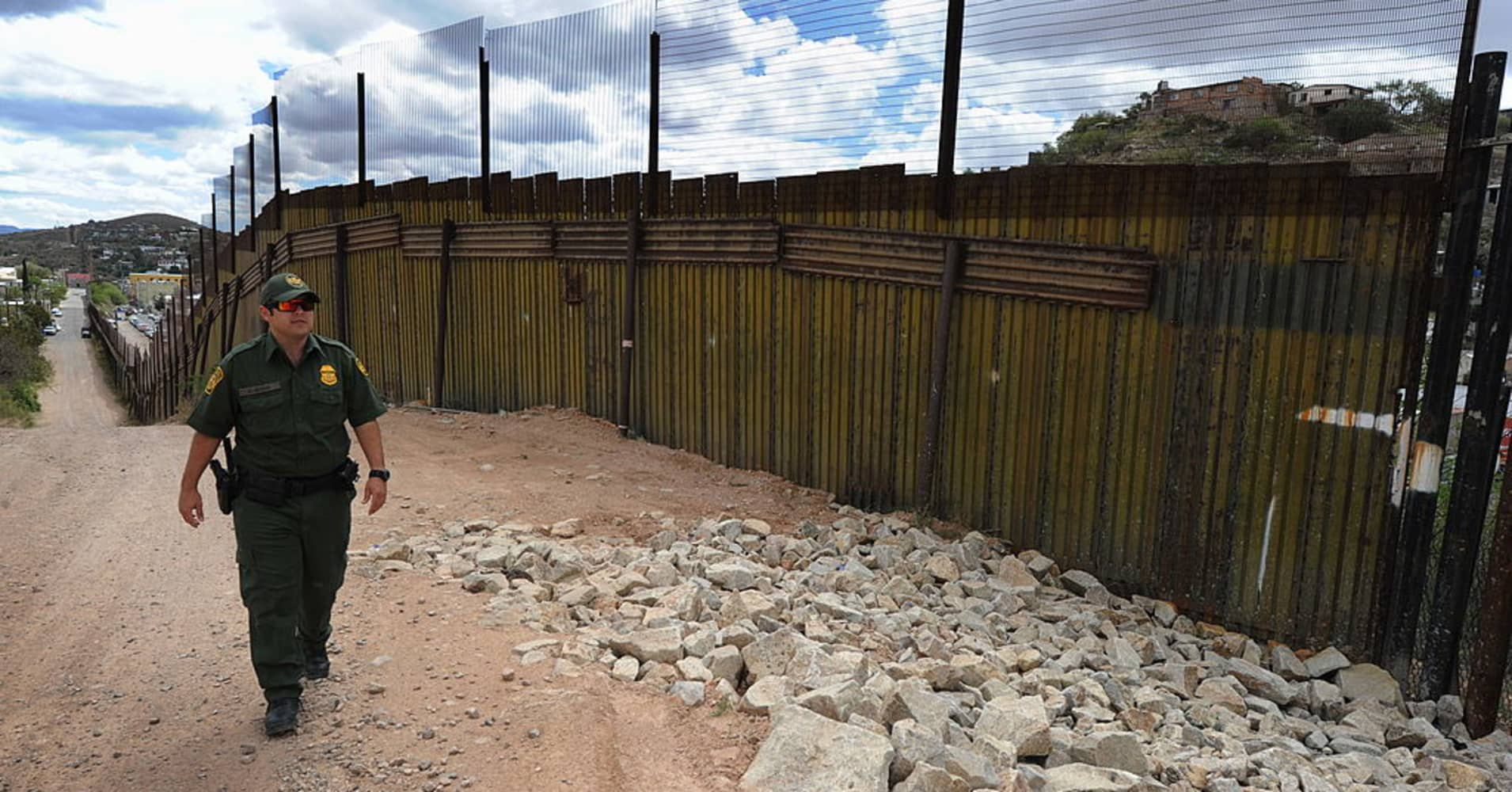 Homeland Security Puts Out Notice For Border Wall Design