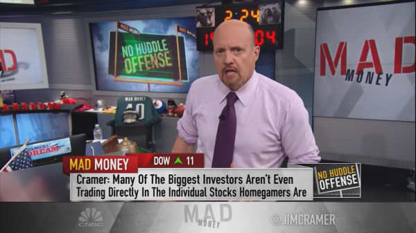 Cramer: Don't believe the markets 'top-callers'
