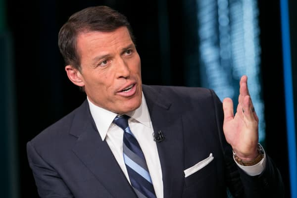 Tony Robbins: Use this 4-step strategy to achieve any goal