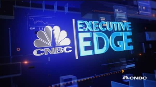 Executive Edge: Buffett's Apple play
